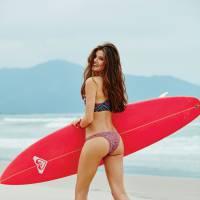 """Camila Queiroz mostra corpo sexy na revista Boa Forma e dispara: """"Nunca vou ser gostosona"""""""