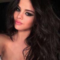 Selena Gomez sensualiza em foto só de biquíni e se declara para os fãs no Instagram!