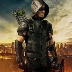 """Em """"Arrow"""": na 4ª temporada, Oliver (Stephen Amell) enfrenta graves consequências do ataque de Darhk"""