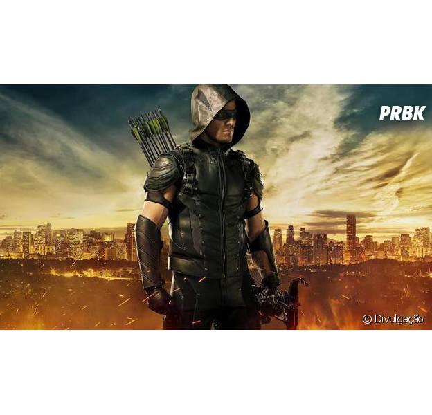 """Em """"Arrow"""": Oliver (Stephen Amell) enfrenta consequências e sede de vingança no retorno!"""