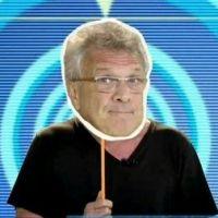 """No """"BBB16"""": Pedro Bial aparece com mascarados e nova chamada vira meme nas redes sociais. Confira!"""