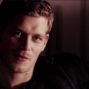 """Em """"The Originals"""": na 3ª temporada, Klaus e família Mikaelson corre perigo com figura misteriosa!"""