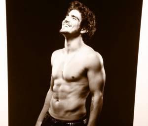 Caio Castro faz aniversário de 27 anos! Veja as melhores fotos do ator sem camisa