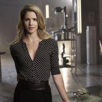 """Em """"Arrow"""": na 4ª temporada, Felicity (Emily Bett Rickards) pode ser filha de perigoso vilão!"""