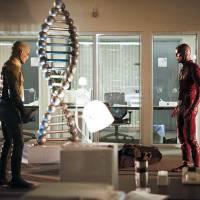 """Em """"The Flash"""": na 2ª temporada, Flash Reverso é foco em novas imagens promocionais!"""