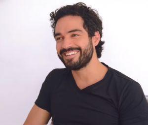 """A barba do ex-RBD Alfonso Herrera faz muito sucesso, principalmente entre os fãs de """"Sense8"""""""