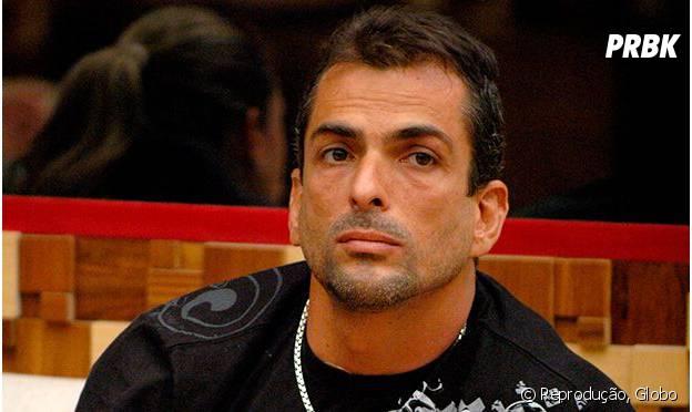 """No """"BBB10"""", Marcelo Dourado era protagonista de vários comentários homofóbicos e polêmicos"""