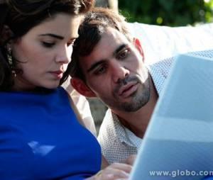 """Em """"Amor à Vida"""",Ninho (Juliano Cazarré) foi condenado à cadeia depois de ser comparsa de Aline (Vanessa Giácomo) em sua vingança"""