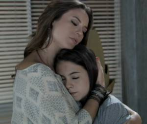 """Paulinha (Klara Castanho) tentou saber pela mãe o que seu tio fez contra ela em""""Amor à Vida"""""""