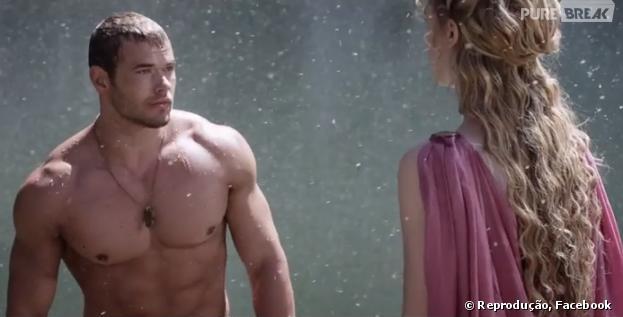 Hércules (Kellan Lutz) e Hebe (Gaia Weiss) vivem romance ...