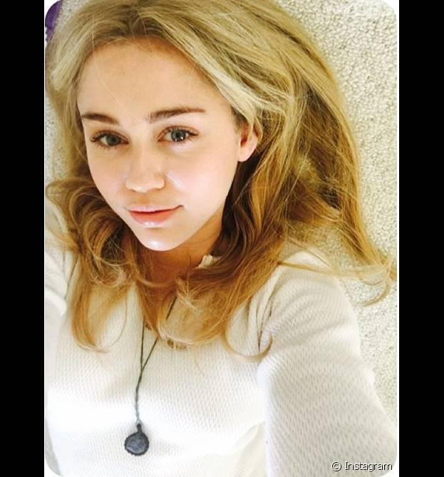 """Miley Cyrus fez post emocionado no Instagram relembrando """"Hannah Montana"""" para comemorar os dez anos da estreia da série"""