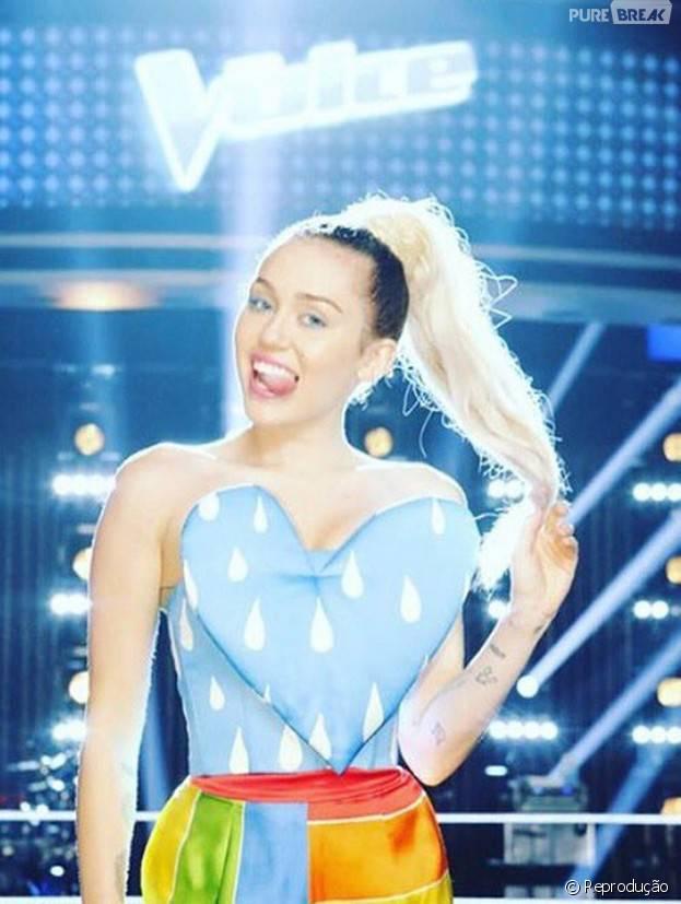 """Miley Cyrus ataca de conselheira no """"The Voice US"""" e reality tem aumento na audiência"""