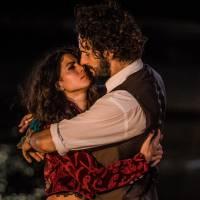 """Novela """"Velho Chico"""": Afrânio (Rodrigo Santoro) e Iolanda (Carol Castro)  voltam a viver romance!"""