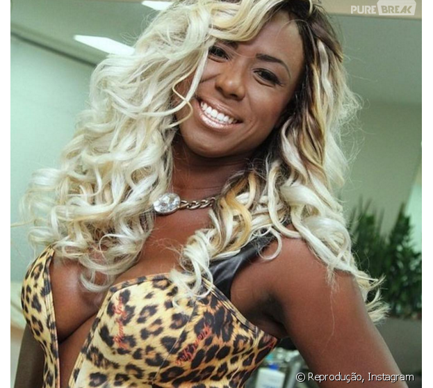 """Ex-""""BBB16"""", Adélia quer quebrar contrato com a Globo para se ver livre de Ana Paula"""