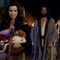 """Novela """"Os Dez Mandamentos"""": Arão (Petrônio Gontijo) e Joana juntos? Veja motivos para querer isso!"""