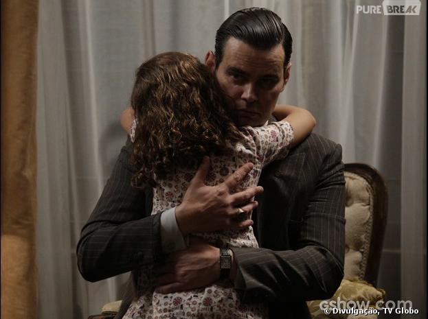 """Em """"Joia Rara"""", Manfred (Carmo Dalla Vecchia) vai se emocionar com abraço de Pérola (Mel Maia)!"""