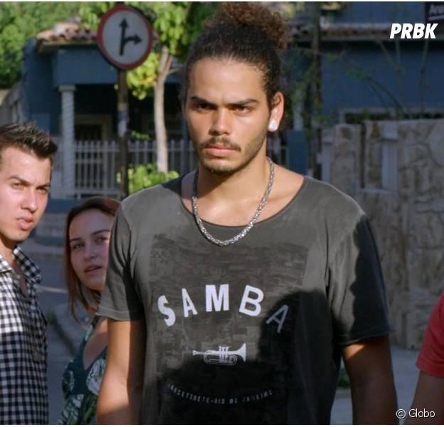 """Em """"Malhação"""": Pedro (Enzo Romani) choca ao aparecer de surpresa para Rodrigo (Nicolas Prattes) e companhia"""