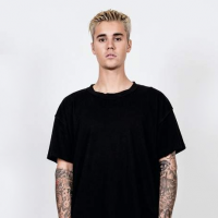 Justin Bieber recebe Madonna, Hailey Baldwin, The Weeknd, Bella Hadid e mais famosos em show