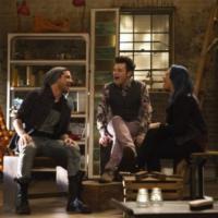 """Demi Lovato e Adam Lambert voltam a série """"Glee""""! Confira """"Hold On"""" e mais"""