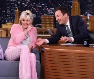 """Confira a participação de Miley Cyrus no """"Tonight Show"""" com Jimmy Fallon"""