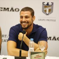 """Cauã Reymond comenta sobre viver bandido no filme """"Alemão"""": """"Ouvi proibidão"""""""