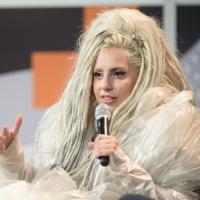 """Petição para Lady Gaga parar de """"vomitar"""" no palco faz sucesso!"""