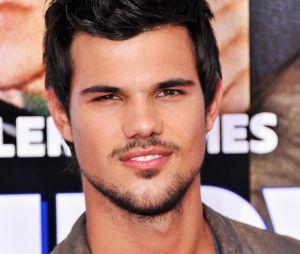 """Em """"Scream Queens"""", Taylor Lautner entra na série em caráter regular na 2ª temporada!"""
