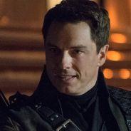 """Em """"Arrow"""", """"The Flash"""" e """"Legends of Tomorrow"""": Malcolm Merlyn aparece nas próximas temporadas!"""