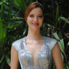 """Na reta final de """"Joia Rara"""", Silvia (Nathalia Dill) se prepara para casamento"""