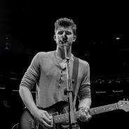 """Shawn Mendes lança clipe da música """"Ruin"""" e emociona fãs com imagens gravadas no Madison Square"""