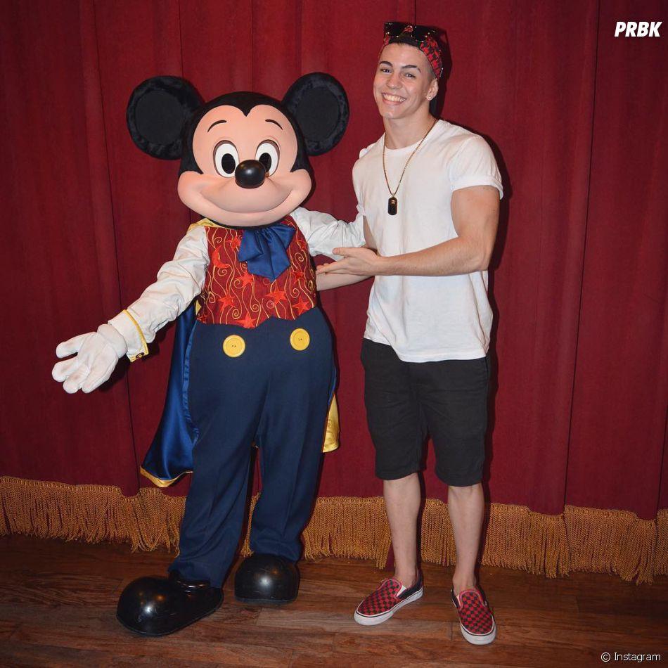Biel nos Estados Unidos: cantor também embarcou com a família para a Disney!