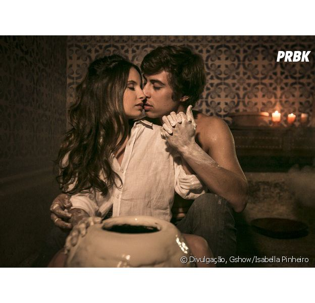 """Amanda de Godoi e Francisco Vitti, de """"Malhação"""", finalmente assumem que estão namorando!"""