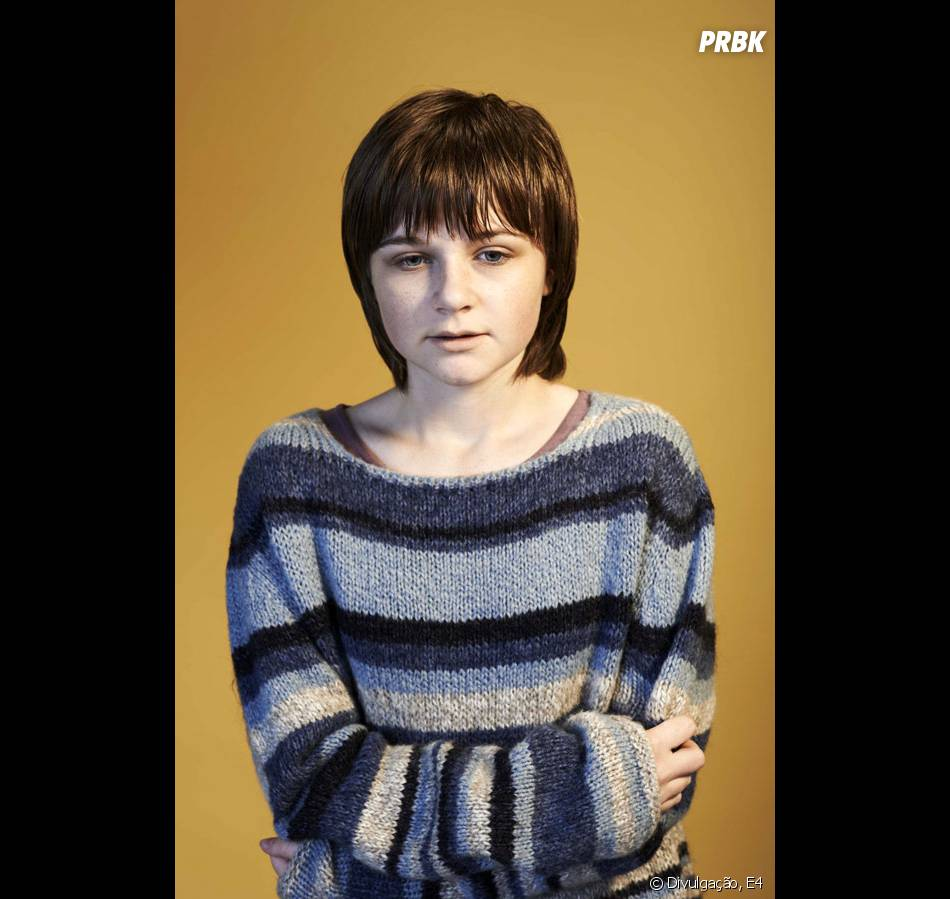 Tix (Sophie Wright) é A Amiga De Rae (Sharon Rooney) Do
