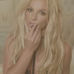 "Britney Spears tem música inédita vazada na web! Ouça ""Clumsy"", single promocional do álbum ""Glory"""