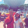 Bruna Marquezine com um dos seus guias na Disney