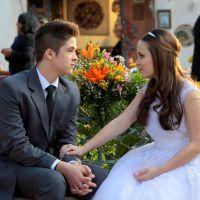 """Final """"Cúmplices de um Resgate"""": Manuela (Larissa Manoela) aceita namorar com Joaquim!"""