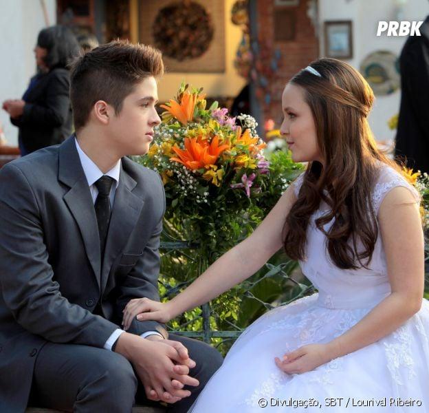 Manuela(Larissa Manoela) eJoaquim(João Guilherme Ávila) começam a namorar no casamento de Helena(Thays Gorga)