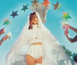 Confira o ensaio completo de Kim Kardashian para a revista Wonderland