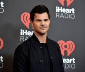 """Taylor Lautner, de """"Scream Queens"""", também participou do iHeartRadio Music Festival 2016"""