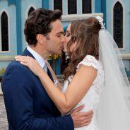 """Final """"Cúmplices de Um Resgate"""": Pedro e Helena (Thays Gorga) se casam em cerimônia emocionante!"""