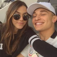 Mc Gui posta vídeo ao lado de Luiza Cioni, sua namorada, para reinaugurar seu canal no Youtube!