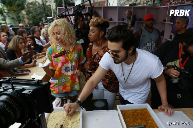 """Luan Santana aproveitou um churrasquinho durante a divulgação do single""""Best Day Of My Life"""""""