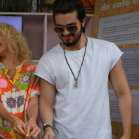 """Luan Santana lança música """"Best Day Of My Life"""" com Steve Aoki em comunidade do Rio de Janeiro!"""
