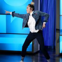 Miley Cyrus substitui Ellen DeGeneres em programa de TV e arrasa como apresentadora