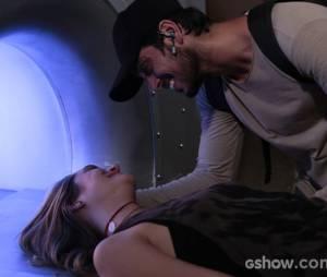 """Em """"Além do Horizonte"""", Lili (Juliana Paiva) não acreditará que Marlon (Rodrigo Simas) a salvou"""