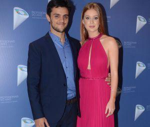 """Elenco de """"Totalmente Demais"""" se reencontra no 38º Prêmio Profissionais do Ano. Tem Marina Ruy Barbosa, Felipe Simas e mais atores!"""