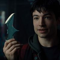 "De ""The Flash"", Ezra Miller conta como foi vestir o uniforme do super-herói: ""Emocionante"""