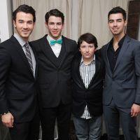 Jonas Brothers presos? Irmão de Nick Jonas e Joe Jonas, Frankie, é preso com maconha em Nashville!