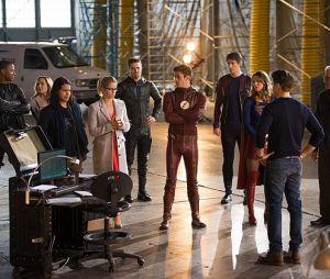 """De """"The Flash"""", """"Arrow"""", """"Supergirl"""" e """"Legends of Tomorrow"""": produtor fala sobre possibilidade de novo crossover e mais!"""
