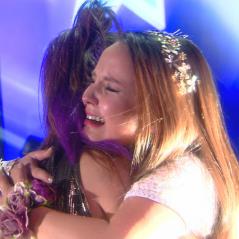 """Final """"Cúmplices de um Resgate"""": Isabela (Larissa Manoela) e Manuela descobrem resultado do concurso"""